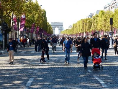 Les Champs Elysées sans voiture